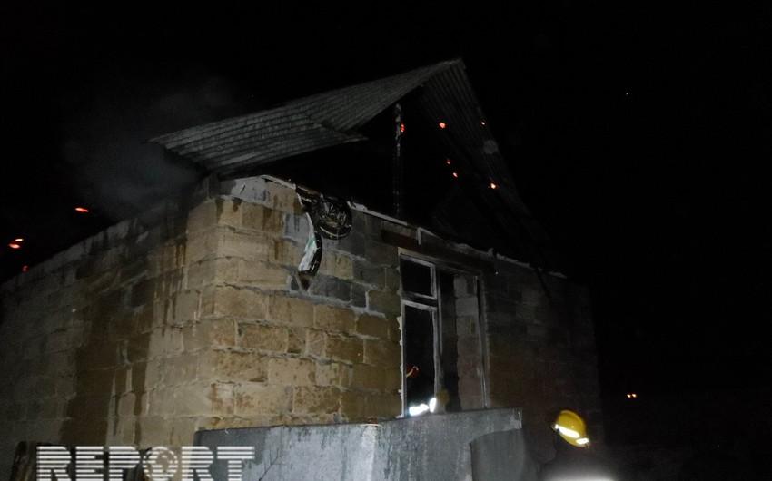 Lənkəranda iki otaqlı ev yanıb - FOTO