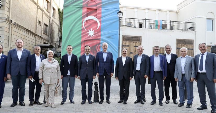 Türkiyənin hakim partiyasının nümayəndə heyəti Azərbaycana gəlib - FOTO