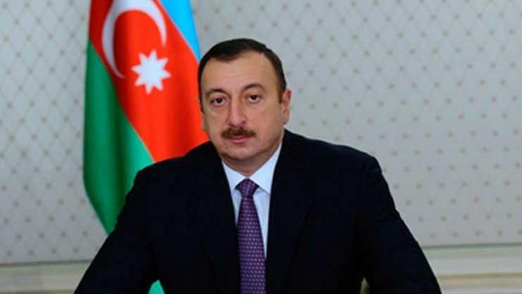 Президент Азербайджана поздравил короля Бахрейна