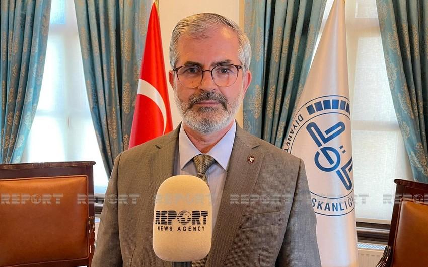 Türkiyənin din xadimi Ramazanda karantin məhdudiyyətlərinə əməl etməyə çağırıb