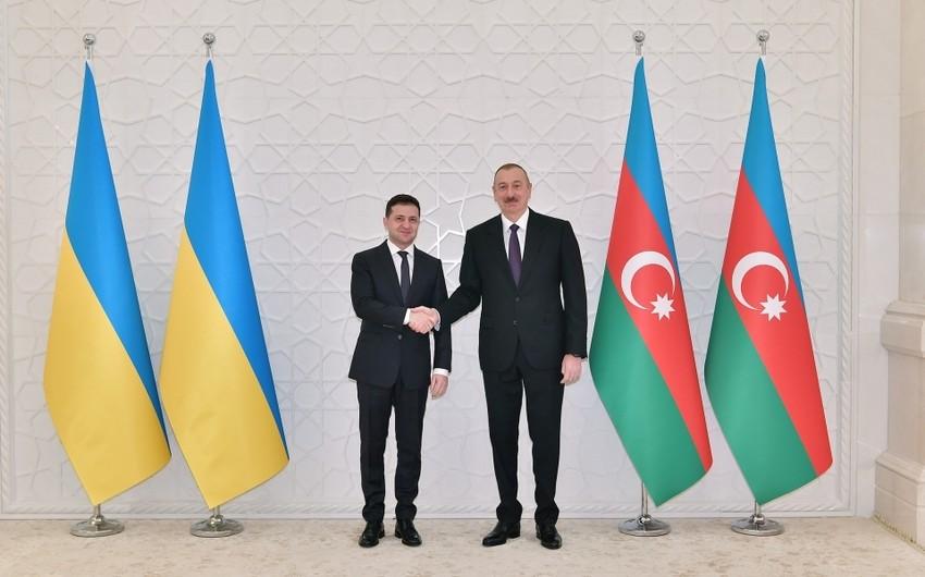 Azərbaycan və Ukrayna Prezidentləri arasında telefon danışığı olub