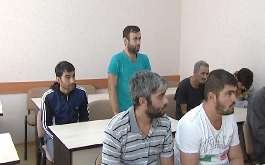 Bakıda qaydaları pozan 8 sürücü həbs olunub - FOTO