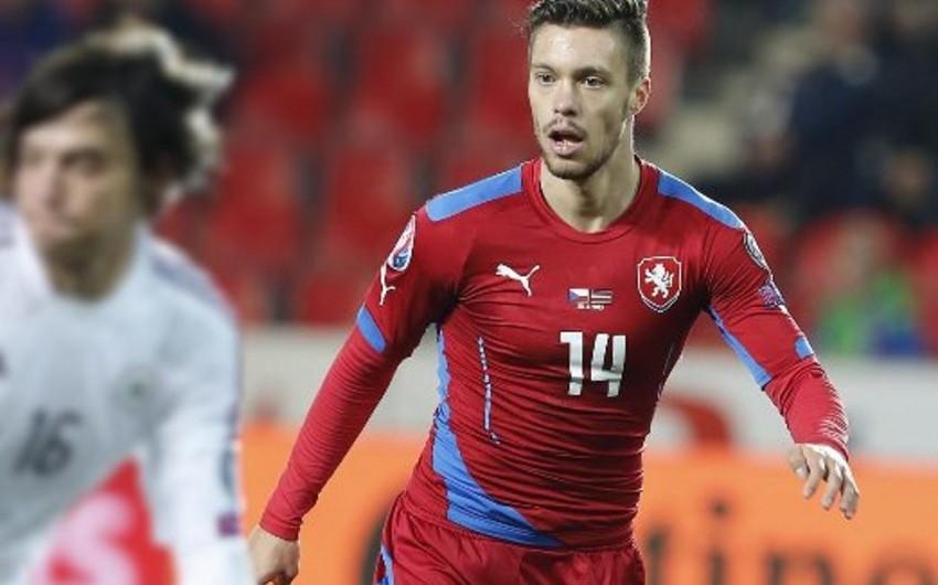 В составе сборной Чехии заменено 2 футболиста