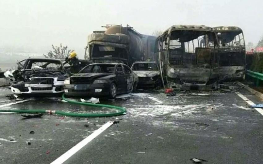 Çində zəncirvarı yol qəzası olub, 18 nəfər ölüb, 21 nəfər yaralanıb