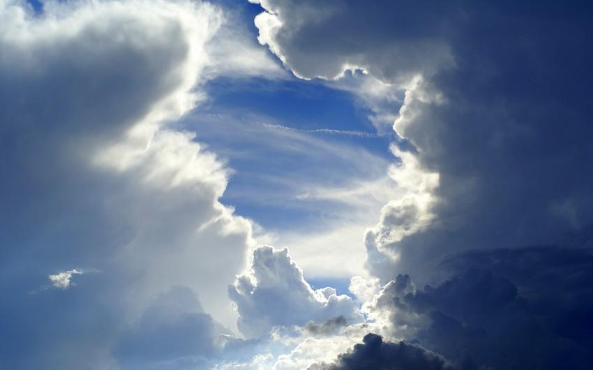 Sabah ölkə ərazisində hava dəyişkən buludlu olacaq, şimal-qərb küləyi güclənəcək