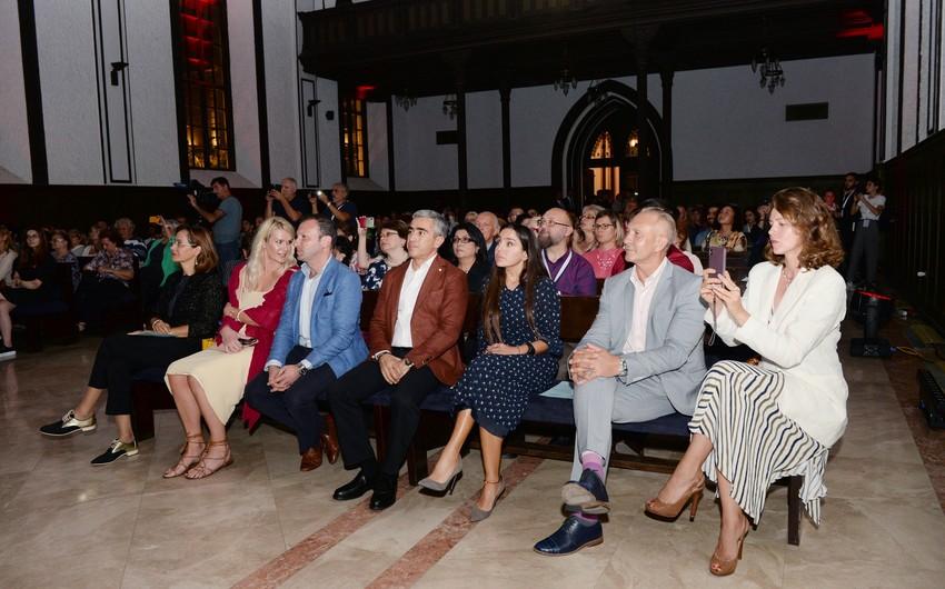 Leyla Əliyeva Tallinn Oğlanları Xoru və Horizonte Ansamblının konsertində  iştirak edib