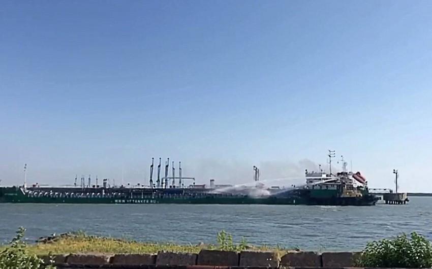 Mahaçqala limanında İran tankerində yanğın baş verib