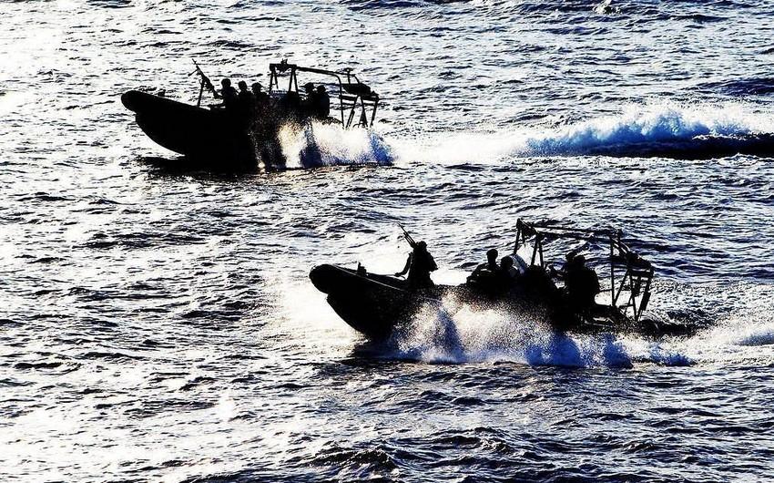 Qvineya körfəzində 9 dənizçi quldurlar tərəfindən qaçırılıb