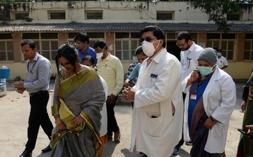Hindistanda bir gündə 909 nəfər koronavirusa yoluxdu