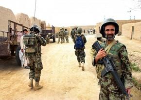 """Əfqanıstanda """"talibançı"""" yeddi hərbçini öldürüb"""