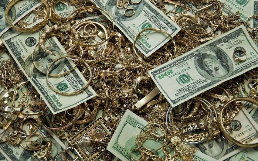 Из квартиры в Баку украдены 5 700 долларов и драгоценности на сумму 11 тыс. манатов