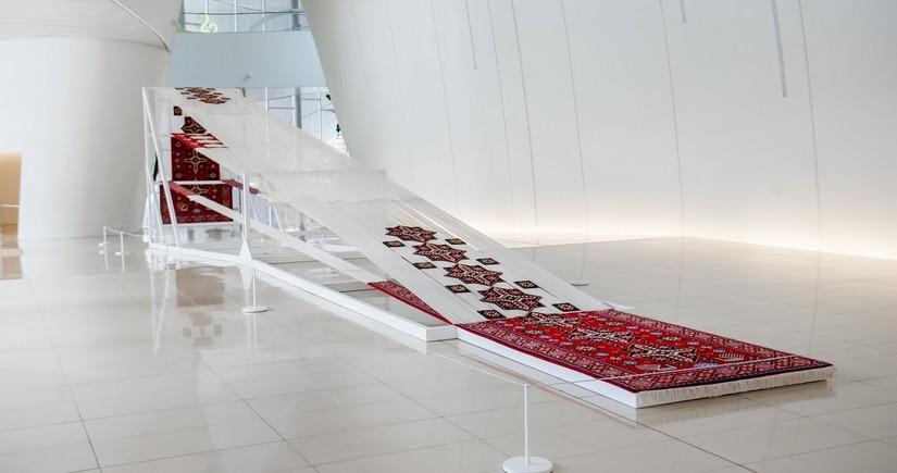В Центре Гейдара Алиева экспонируется новое произведение