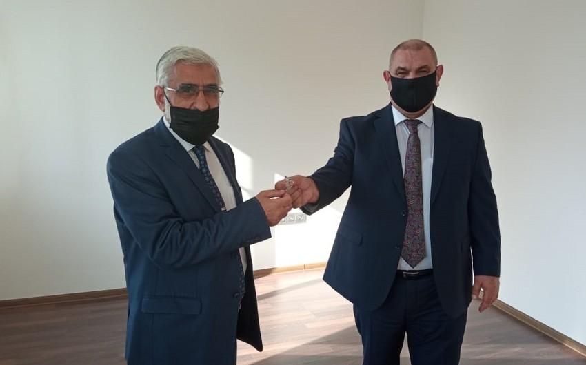 Azərbaycanda daha 2 siyasi partiyaya ofis verilib