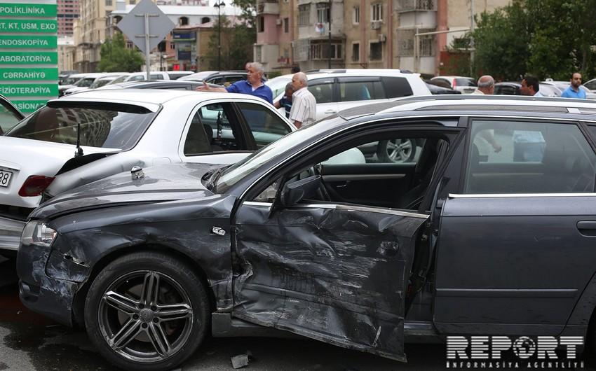 Bakıda 6 avtomobil toqquşub, yaralananlar var - FOTO