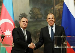 Azerbaijani, Russian FMs discuss upcoming high-level contacts