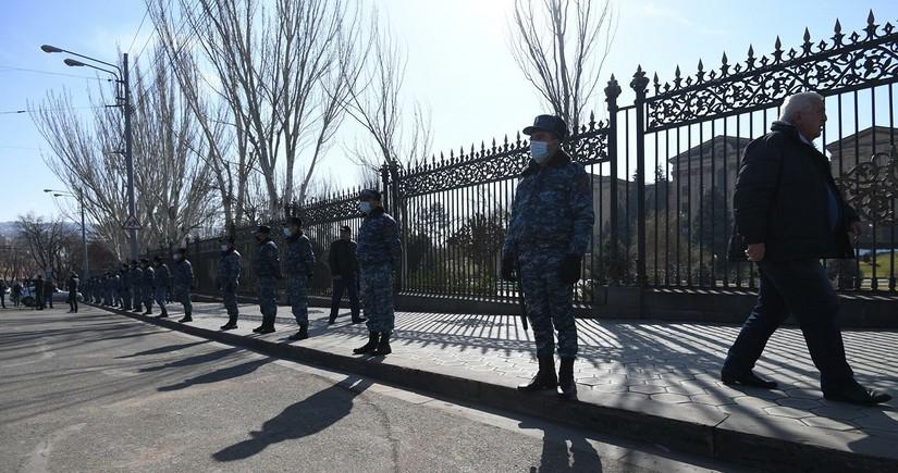 Правящая фракция сорвала заседание совета парламента Армении во второй раз