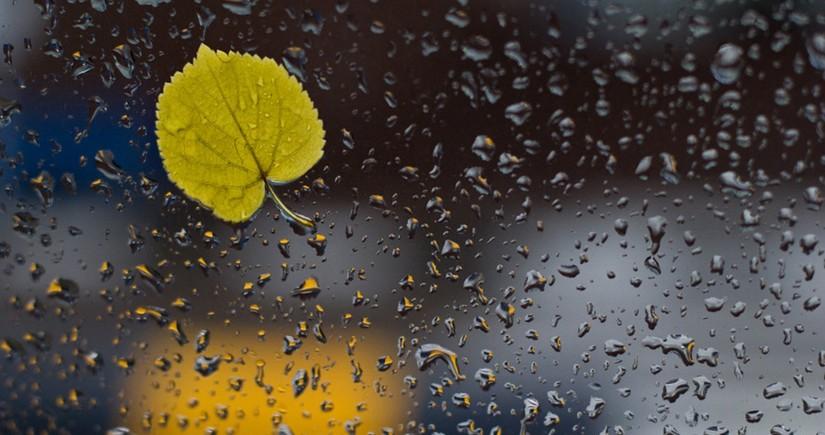 Bölgələrə leysan xarakterli yağış yağıb