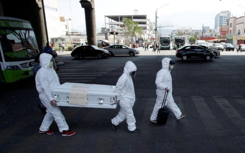Meksikada son sutkada 895 nəfər koronavirusdan ölüb