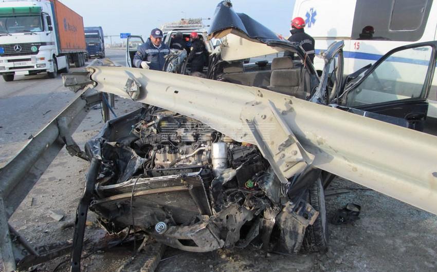 Bayram günü baş verən yol qəzalarında 5 nəfər ölüb, 9 nəfər xəsarət alıb