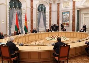 Lukaşenko Azərbaycan nümayəndə heyətini təbrik edib