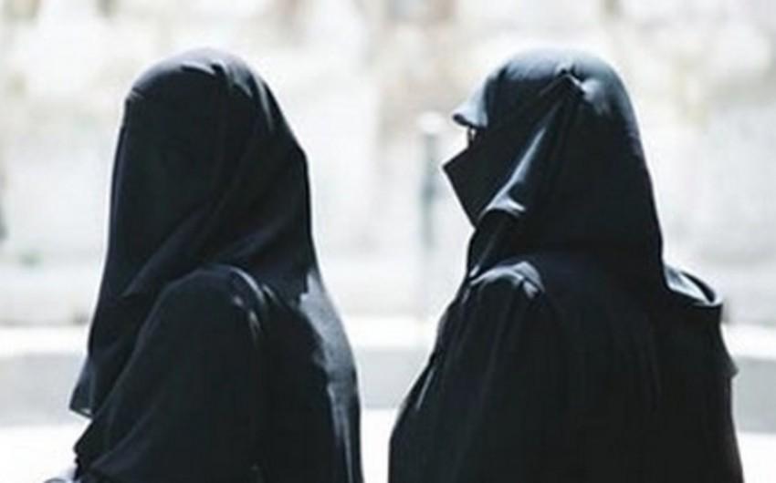 Niderlandlı qadın Suriyaya gedərək qızını terrorçulardan geri alıb