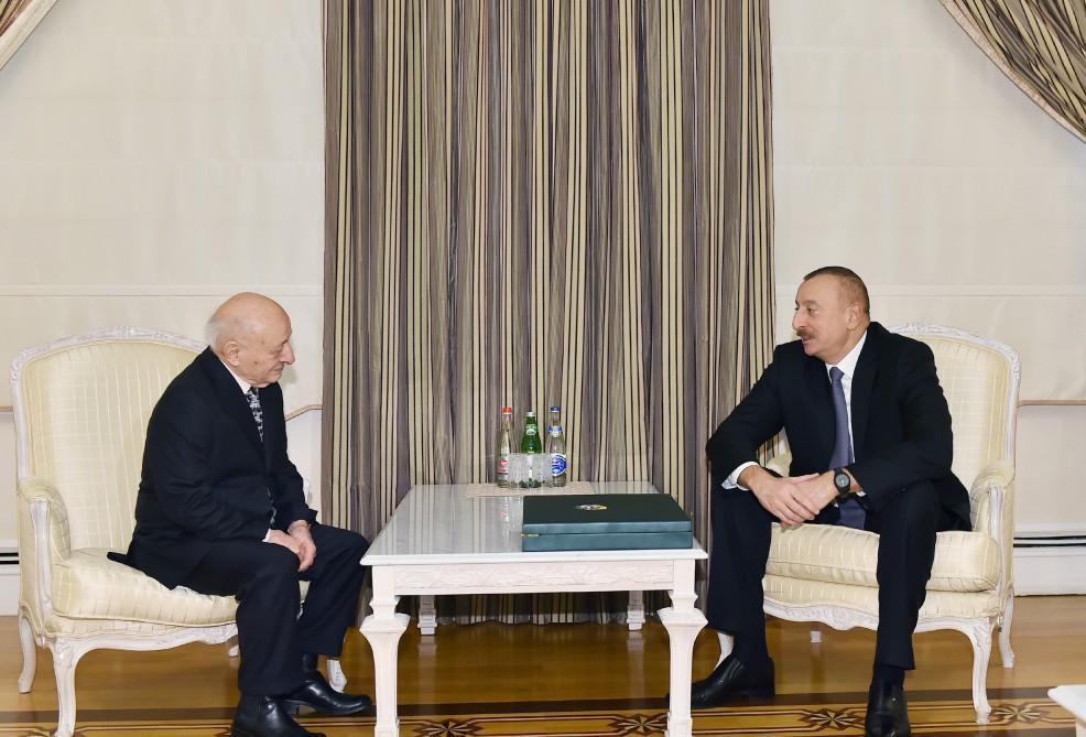 President Ilham Aliyev presents Heydar Aliyev Order to Omar Eldarov