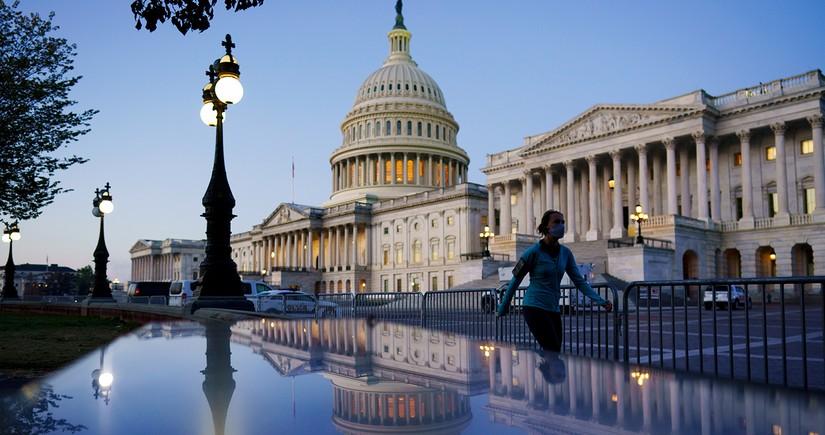 ABŞ Senatı Donald Trampın impiçmentinin müzakirəsini təxirə saldı