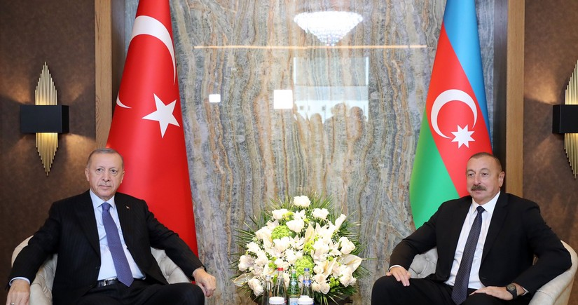 Azerbaijani, Turkish presidents mull ties