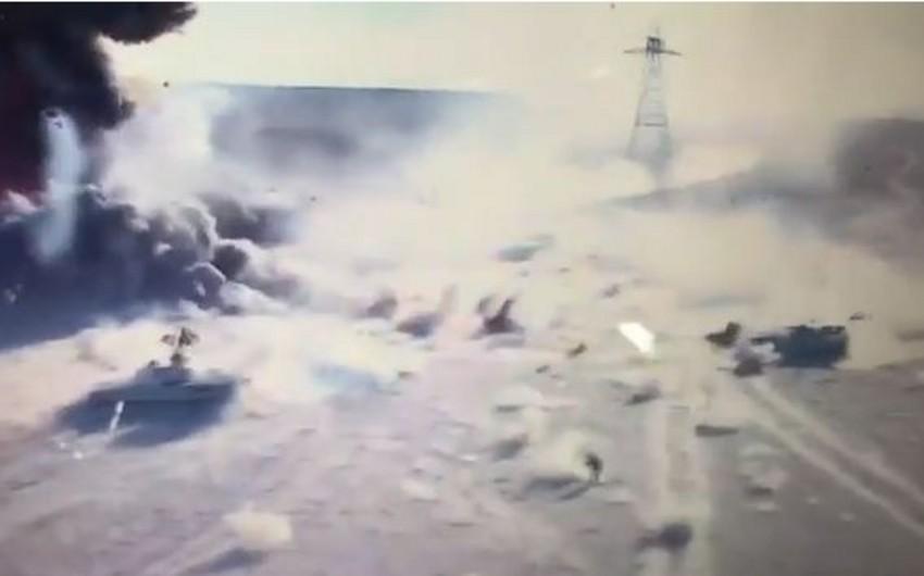 İraqda terrorçuların avtomobilinin partladıldığı anın görüntüləri yayılıb - VİDEO