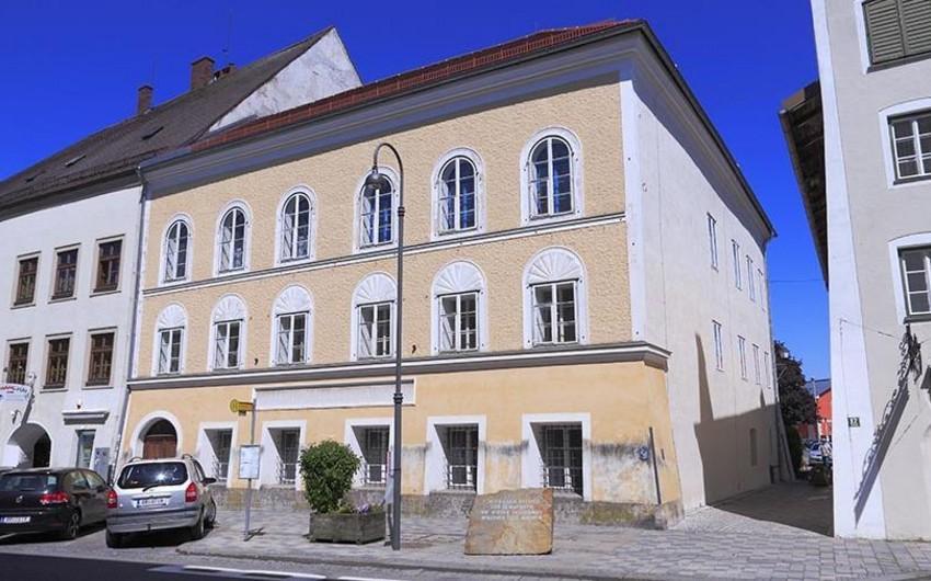 Hitlerin doğulduğu evdə polis bölməsi fəaliyyət göstərəcək - FOTO - VİDEO
