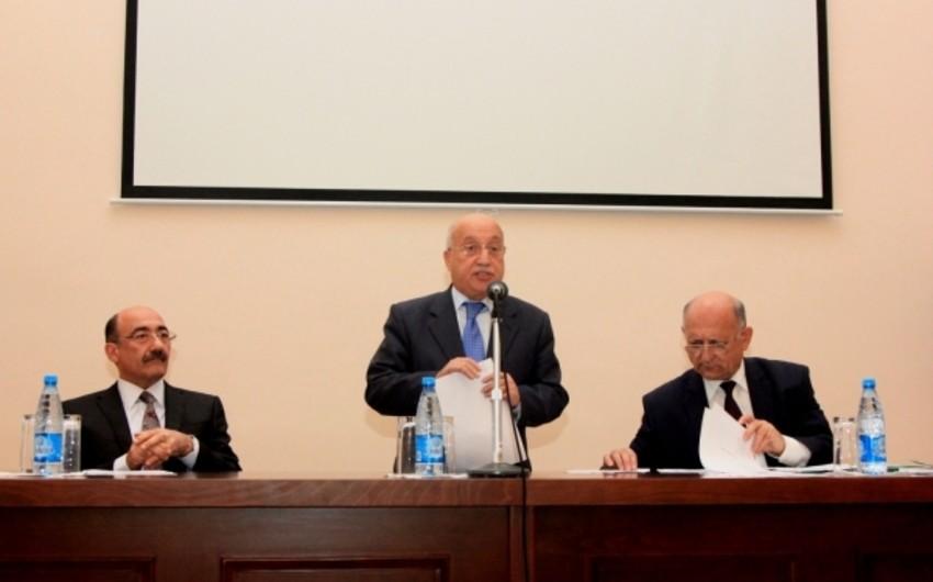 Əbülfəs Qarayev: Nazirlik əməkdaşlarının 20 faizə qədəri dövlət qulluğuna yeni qəbul edilmiş gənclərdir