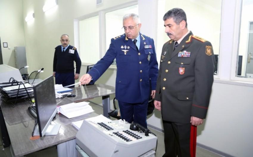 Azərbaycan müdafiə naziri Hərbi Hava Qüvvələrinin Mərkəzi Komanda Məntəqəsində olub