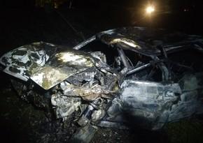 Qaxda baş verən qəzada avtomobil yandı