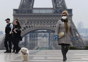 В Париже планируют ввести комендантский час