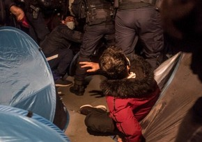 Paris police use brutal force against migrants