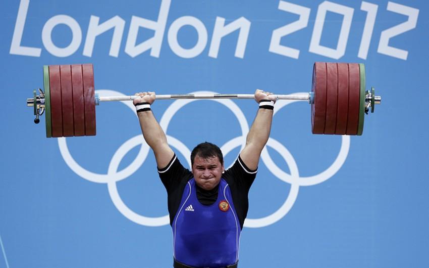 Rusiyalı olimpiya mükafatçısı yarışlardan kənarlaşdırılıb