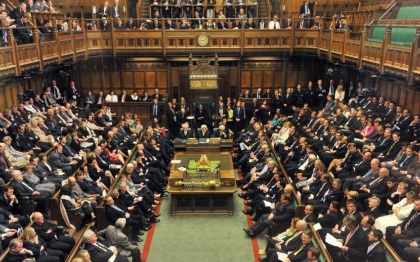 Britaniya parlamenti Brexitlə bağlı yeni tarixi dəstəkləyib