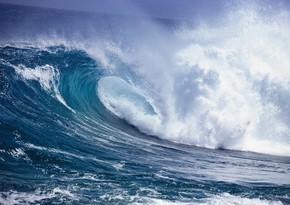 Neft Daşlarında dalğanın hündürlüyü 3.5 metrə çatıb - FAKTİKİ HAVA
