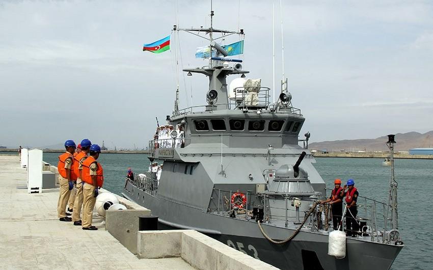 Qazaxıstanın hərbi gəmisi Bakıya gəlib