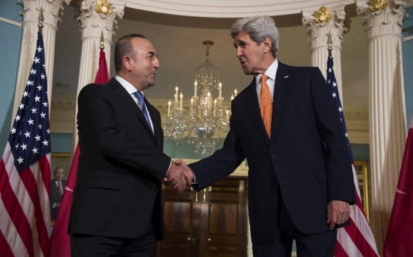 ABŞ-ın dövlət katibi ilə Türkiyənin XİN başçısı arasında telefon danışığı olub