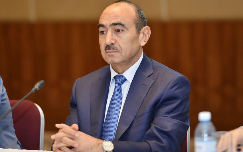 Əli Həsənov: Mətbuat deputatlığa namizədlərə bərabər şərait yaratmalıdır