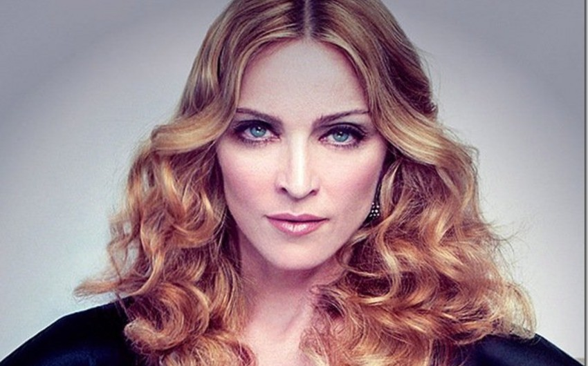 Madonna Fransadakı faciədən öz məqsədləri üçün istifadədə ittiham olunur