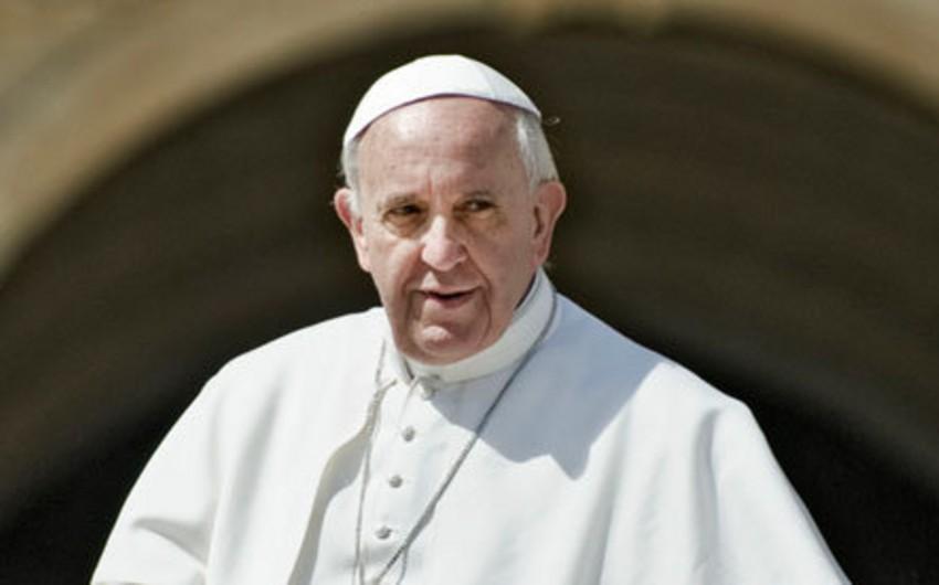 Roma Papasının səfəri zamanı Gürcüstanda arxiyepiskop vəfat edib