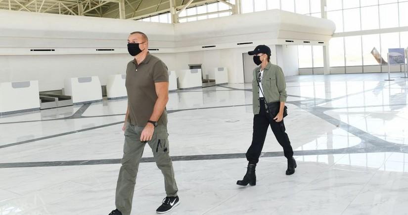 Президент Ильхам Алиев и Мехрибан Алиева ознакомились с условиями, созданными в международном аэропорту Физули