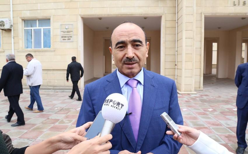 Помощник президента Азербайджана Али Гасанов проголосовал на выборах