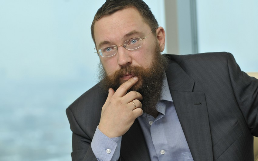 German Sterliqov Moskva aeroportunda saxlanılıb