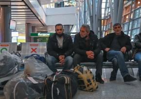 Rusiyadan qovulan ermənilər aeroportda gecələyirlər
