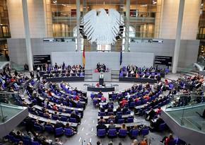 Almaniya parlamenti 2021-ci il üçün büdcəni milyardlarla dollar borcla qəbul edib