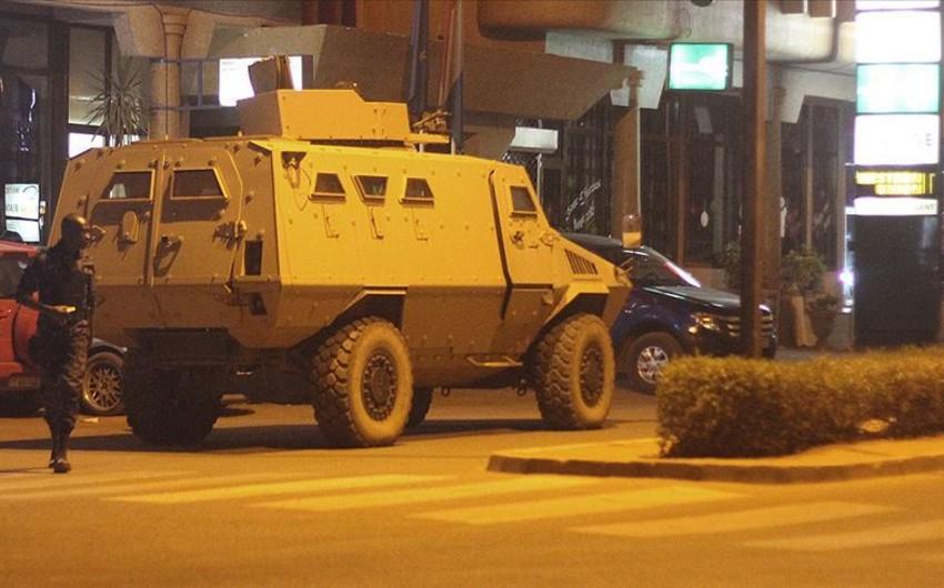 Burkino Fasoda hərbi bazaya hücum edilib, onlarla insan həlak olub, yaralılar var