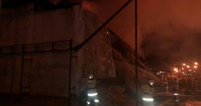 На газоперерабатывающем заводе в Казахстане произошел пожар